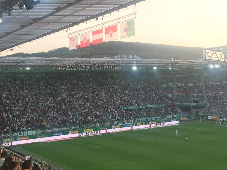 Österreich raus aus Hütteldorf