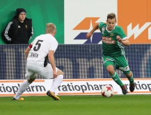 VIENNA,AUSTRIA,28.OCT.17 - SOCCER - tipico Bundesliga, SK Rapid Wien vs FC Admira Wacker Moedling. Image shows Thomas Ebner (Admira) and Louis Schaub (Rapid). Keywords: Wien Energie. Photo: GEPA pictures/ Christian Ort