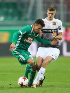 VIENNA,AUSTRIA,28.OCT.17 - SOCCER - tipico Bundesliga, SK Rapid Wien vs FC Admira Wacker Moedling. Image shows Dejan Ljubicic (Rapid) and Sasa Kalajdzic (Admira). Keywords: Wien Energie. Photo: GEPA pictures/ Philipp Brem