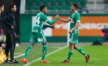 VIENNA,AUSTRIA,28.OCT.17 - SOCCER - tipico Bundesliga, SK Rapid Wien vs FC Admira Wacker Moedling. Image shows Joelinton Cassio Apolinario de Lira (Rapid) and Giorgi Kvilitaia (Rapid). Keywords: Wien Energie. Photo: GEPA pictures/ Philipp Brem