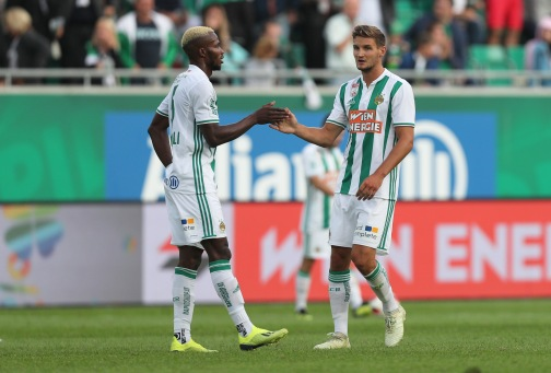 VIENNA,AUSTRIA,26.AUG.18 - SOCCER - tipico Bundesliga, SK Rapid Wien vs FC Wacker Innsbruck. Image shows Boli Bolingoli (Rapid) and Maximilian Hofmann (Rapid). Keywords: Wien Energie. Photo: GEPA pictures/ Christian Ort
