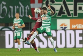 VIENNA,AUSTRIA,01.MAR.20 - SOCCER - tipico Bundesliga, SK Rapid Wien vs SV Mattersburg. Image shows Lukas Rath (Mattersburg) and Taxiarchis Fountas (Rapid). Keywords: Wien Energie. Photo: GEPA pictures/ Christian Ort